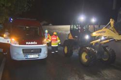 Zásah hasičů u sesutého svahu v jižních Čechách