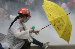 Protestující proti návrhu zákona o vydávání do Číny