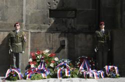 Uctění památky padlým parašutistům