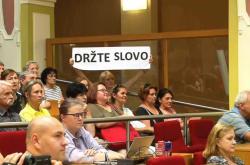 LIdé na jednání pražského zastupitelstva