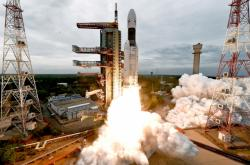Start indické sondy Čandrájan-2 mířící na Měsíc