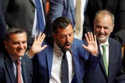 Matteo Salvini při jednání v Senátu