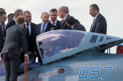 Vladimir Putin a Recep Tayyip Erdogan si prohlédli stíhačku Su-57