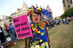 Protest proti premiéru Johnsonovi