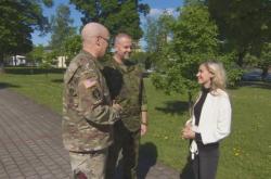 Novinářka Pihlová s americkými vojáky