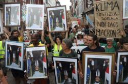 Protest proti Emmanuelu Macronovi