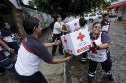 Humanitární pomoc v Mexiku po úderu hurikánu Patricia v roce 2015