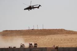Turecká helikoptéra u syrských hranic (ilustrační foto)