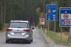 Kvůli ochraně přírody zavřeli na Šumavě silnici do Rakouska