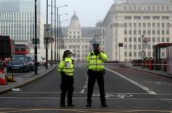 Policisté hlídkovali na místě útoku i v sobotu ráno