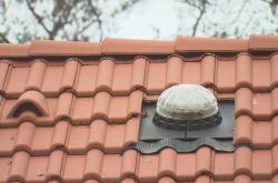 Světlovod na střeše domu