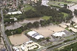 Zaplavená pole v australském Queensland