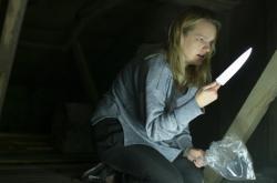 Elisabeth Mossová ve filmu Neviditelný