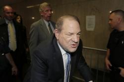 Harvey Weinstein dorazil k soudu