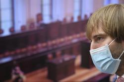 Ministr zdravotnictví Adam Vojtěch před jednáním sněmovny