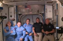 Přivítání posádky Crew Dragon na ISS