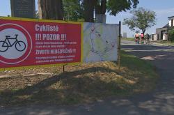 Varovná cedule v Dolních Dunajovicích