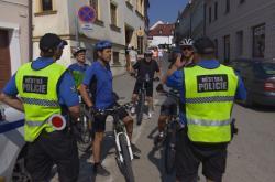 Městští strážníci pokutují cyklisty v Mikulově