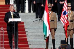 Maďarský premiér Viktor Orbán při odhalení památníku připomínajícího následky Trianonské smlouvy
