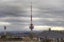 Televizní vysílač v Ostravě-Hošťálkovicích. Vysílač vysoký 184 metrů, který byl uveden do provozu 15. prosince 1979.