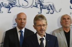 Miloš Vystrčil (ODS) s delegací před cestou na Tchaj-wan