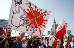 Demonstace proti koronavirovým opatřením v Polsku