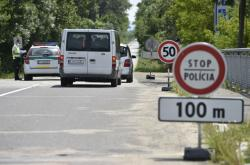 Slovenští policisté na hraničním přechodu Lanžhot - Brodské