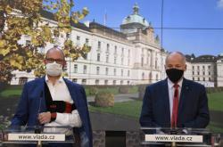 Robert Plaga (ANO) a Roman Prymula (za ANO) po mimořádném jednání vlády