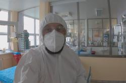 Reportér ČT Erik Knafjl v pardubické nemocnici na oddělení ARO