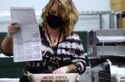 Zpracování volebních lístků poslaných poštou