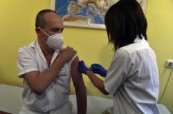 V ostravské fakultní nemocnici odstartovalo očkování zdravotníků
