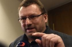 Lubomír Volný před jednáním mandátového a imunitního výboru sněmovny