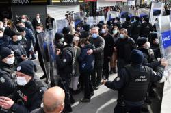 Zadržení studenti při demonstraci v Bosporské univerzitě