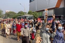 Protest v ulicích Rangúnu v Myanmaru
