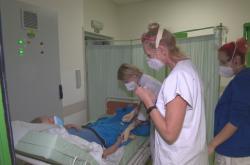 Pražská lékařka Simona Michálková v nemocnici v Chebu