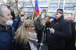 Poslanec Lubomír Volný na demonstraci proti opatřením 7. 3. 2021