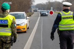 Policejní kontrola na okresní hranici