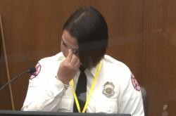 Svědkyně obžaloby hasička Hansenová u soudu v Minneapolis