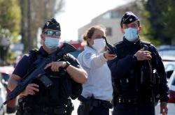Policie po útoku v Rambouillet