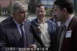 Ministr zahraničí Jiří Dienstbier navštívil na Slovensku strojírenské podniky