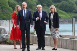 Biden na návštěvě Británie