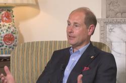 Britský princ Edward při rozhovoru pro Českou televizi