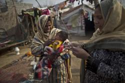Mezi dětmi v Pákistánu se šíří vir HIV