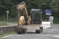 Bourání historického mostu u obce Poniklá