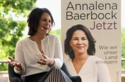 Annalena Baerbocková při prezentaci své knihy