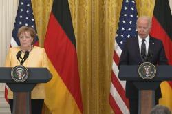 Brífink německé kancléřky Merkelové s americkým prezidentem Bidenem