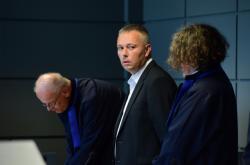 Karel Kadlec u soudu 16. července 2021 (uprostřed)