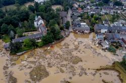 Kostel poškozený záplavami v Erstadtu