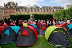 Protesty proti bytové politice v Paříží