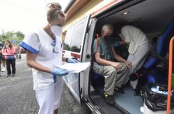 Mobilní očkovací tým ve Vítkově na Opavsku